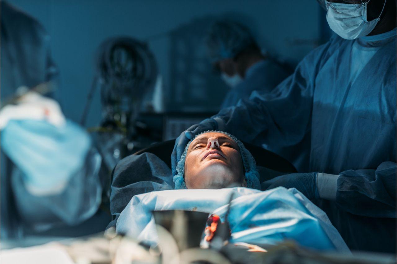 Patient undergoing minimally invasive surgery